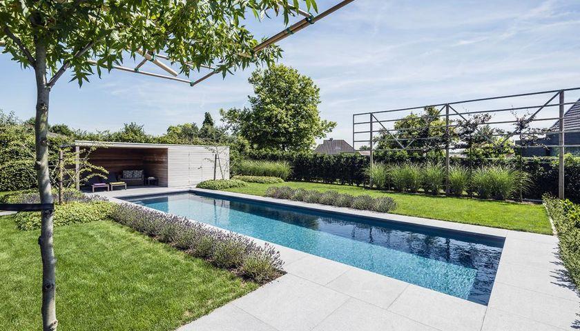 Integratie zwembad in ondiepe achtertuin realisaties for Zwembad achtertuin